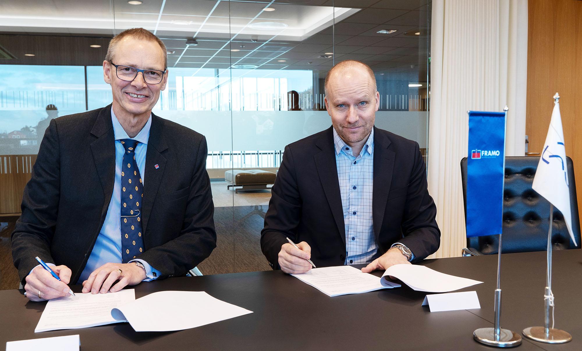 Trond Petter Abrahamsen, Direktør i Framo Services og Kjetel Digre, direktør for drift og feltutvikling i Aker BP. Foto: Lars Petter Larsen/Framo